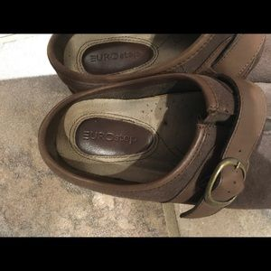Shoes - Eurostep clog brown size 8